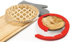 80332-silicone-pie-crust-shield-life-style-open-1-lores
