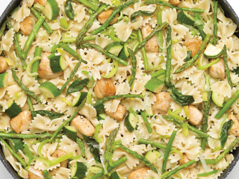One Pot Farfalle with Chicken and Asparagus