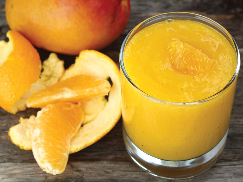 Smoothie à la mangue et orange