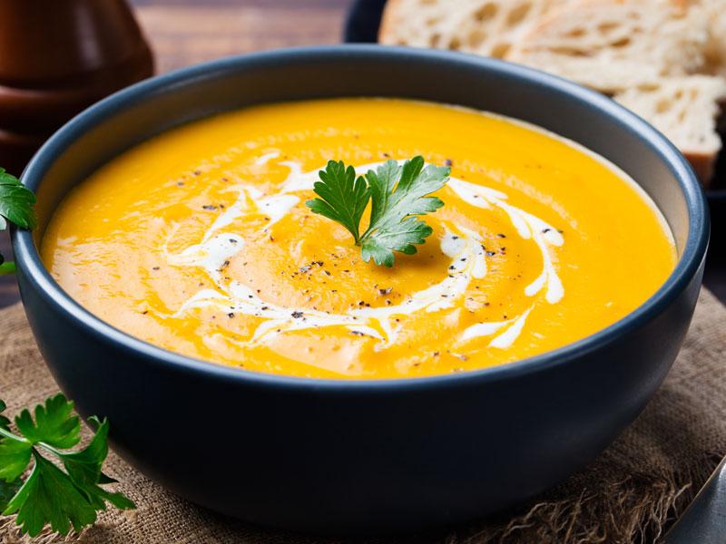 Soupe de Courge Musquée au Lait de Coco et au Curry