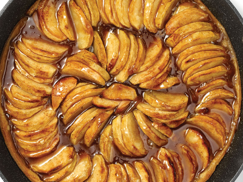 One Pot Fall Apple Cinnamon Tarte Tatin